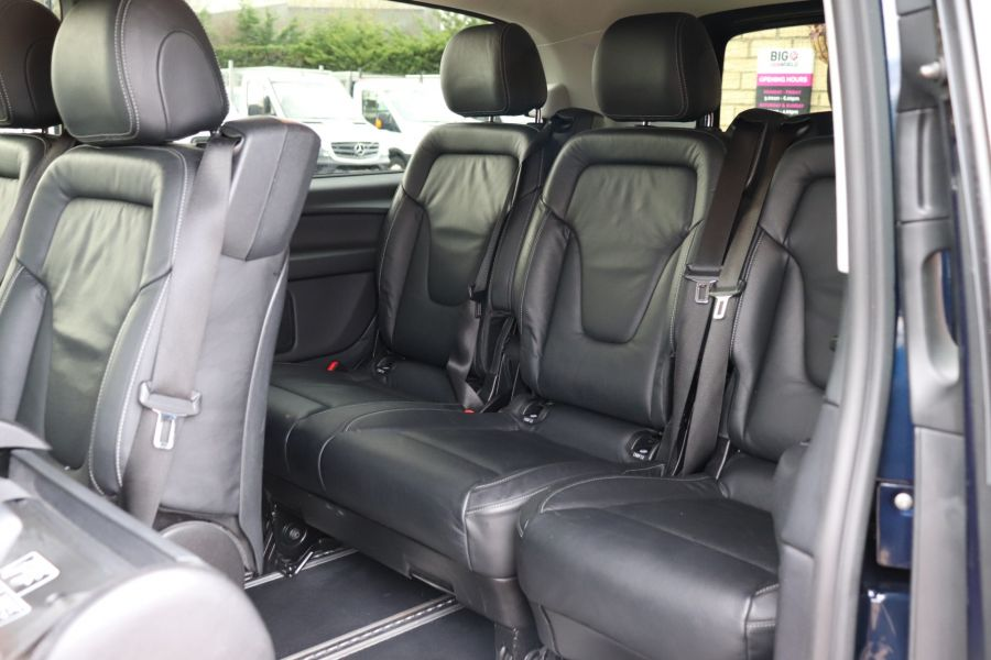 MERCEDES V-CLASS V250 CDI 188 BLUETEC SE 8 SEAT EXTRA LONG - 10420 - 44