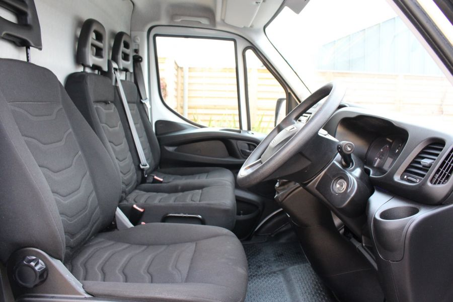 IVECO DAILY 35S13 HI-MATIC MWB HIGH ROOF - 8679 - 11