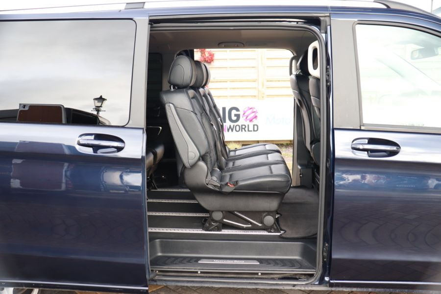 MERCEDES V-CLASS V250 CDI 188 BLUETEC SE 8 SEAT EXTRA LONG - 10420 - 46