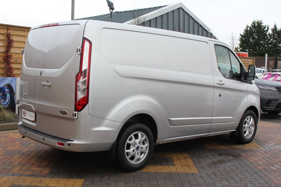 FORD TRANSIT CUSTOM 270 TDCI 125 L1 H1 LIMITED SWB LOW ROOF FWD - 7142 - 5