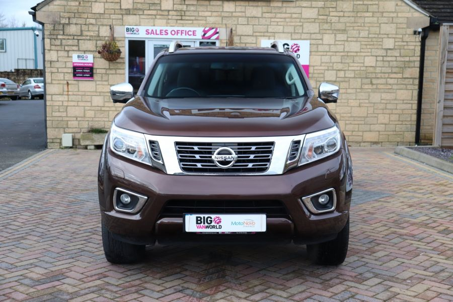 NISSAN NAVARA DCI 190 TEKNA 4X4  DOUBLE CAB WITH TRUCKMAN TOP AUTO - 10310 - 10