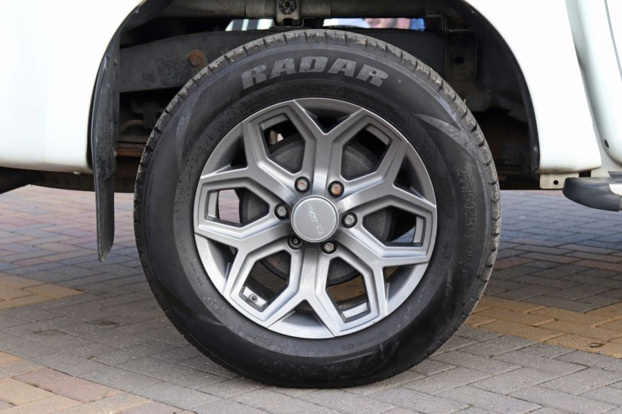 ISUZU D-MAX TD 164 TWIN TURBO BLADE DOUBLE CAB WITH ROLL'N'LOCK TOP  (14049) - 12327 - 4
