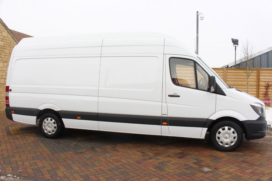 MERCEDES SPRINTER 316 CDI 163 BHP LWB SUPER HIGH ROOF - 7351 - 4