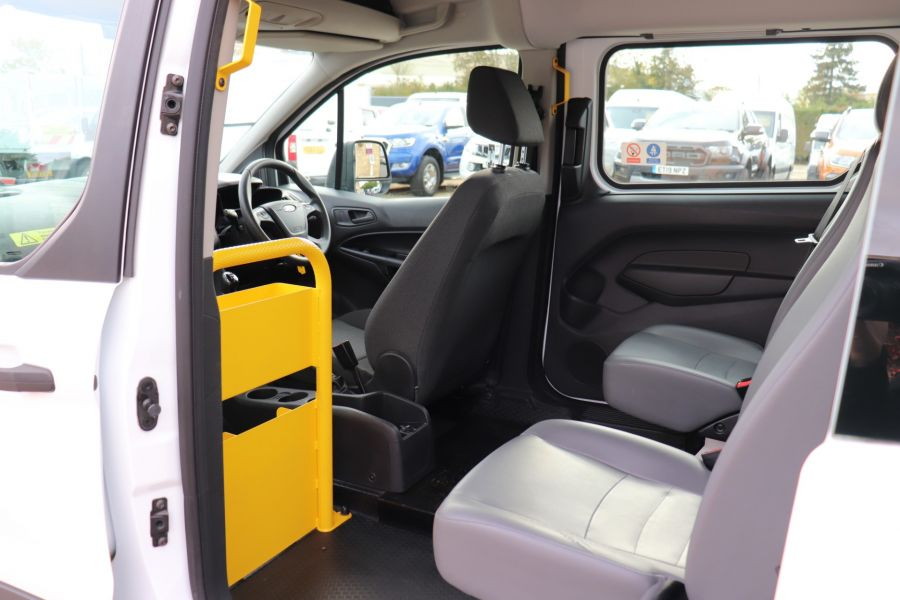 FORD GRAND TOURNEO CONNECT TDCI 95 COMBI VAN WITH WHEELCHAIR ACCESS - 11545 - 34