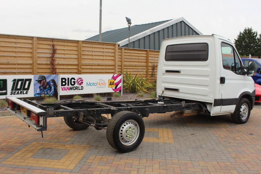 IVECO DAILY 35S11 SINGLE CAB CHASSIS CAB 3750 WB - 7590 - 5