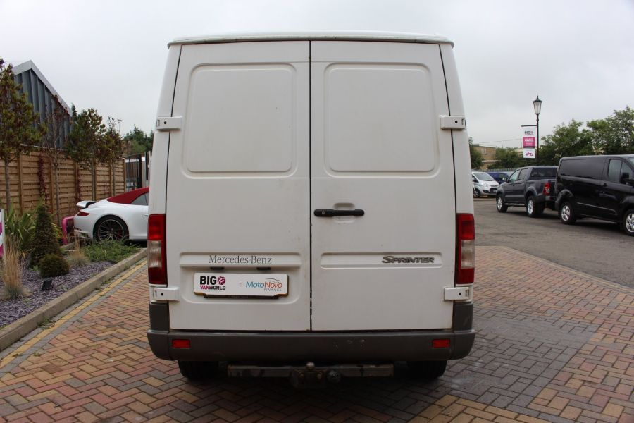 MERCEDES SPRINTER 208 CDI SWB LOW ROOF - 6631 - 6