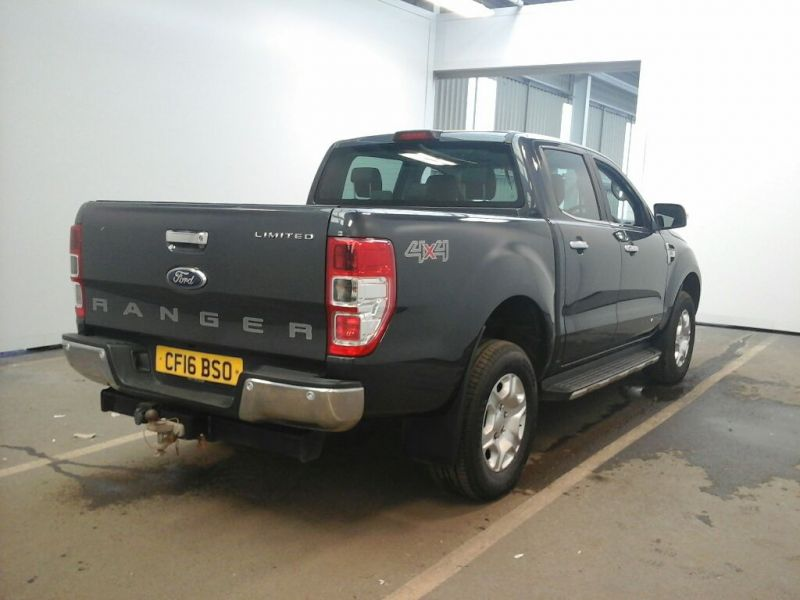 FORD RANGER TDCI 200 LIMITED 4X4 DOUBLE CAB WITH ROLL'N'LOCK TOP - 9855 - 3