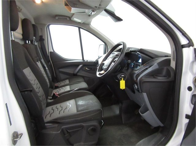 FORD TRANSIT CUSTOM 270 TDCI 125 L1 H1 LIMITED SWB LOW ROOF FWD - 7021 - 9