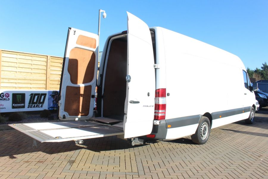 MERCEDES SPRINTER 319 CDI XLWB HIGH ROOF - 6971 - 25