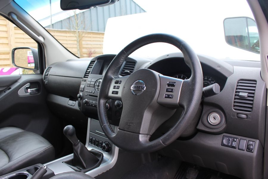 NISSAN NAVARA DCI 190 TEKNA CONNECT 4X4 DOUBLE CAB - 7425 - 13
