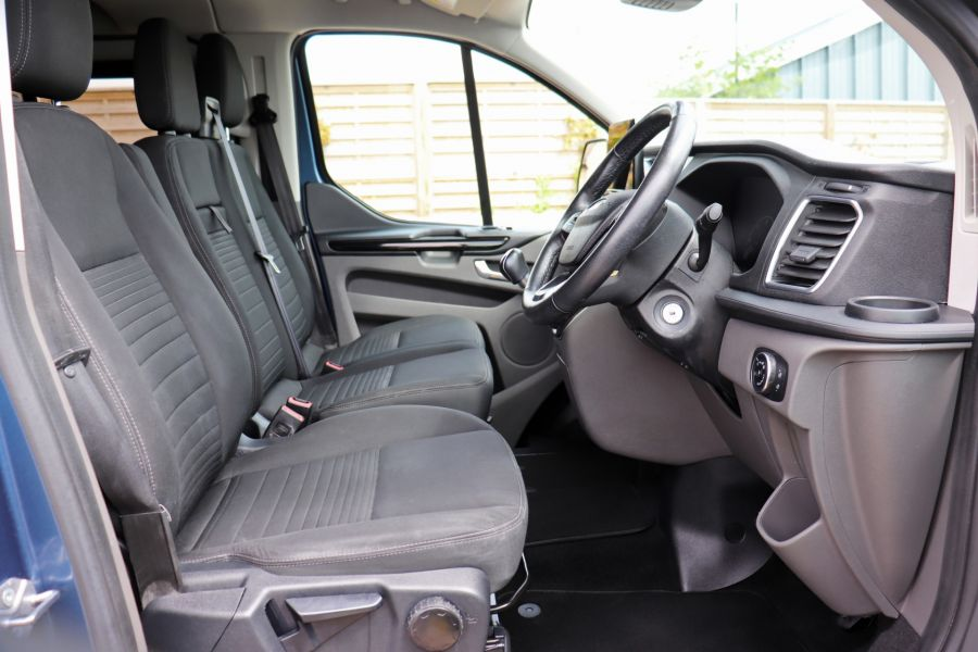 FORD TRANSIT CUSTOM 320 TDCI 130 L2 H1 LIMITED DOUBLE CAB 6 SEAT CREW VAN LWB LOW ROOF FWD - 9606 - 12