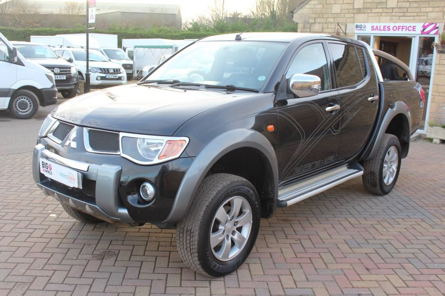 MITSUBISHI L200 ANIMAL DI-D LWB DOUBLE CAB WITH ROLL'N'LOCK TOP - 7085 - 8
