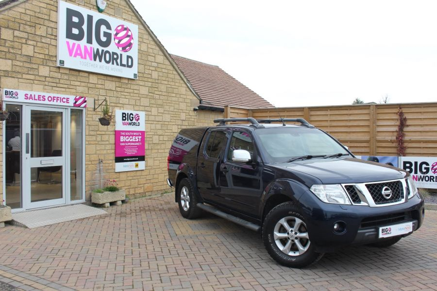 NISSAN NAVARA DCI 190 TEKNA CONNECT 4X4 DOUBLE CAB WITH TRUCKMAN TOP - 6786 - 1