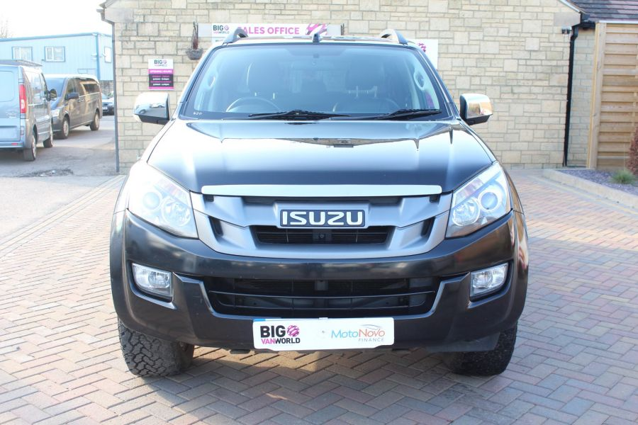 ISUZU D-MAX TD BLADE DOUBLE CAB 4X4 WITH ROLL AND LOCK TOP - 7242 - 9
