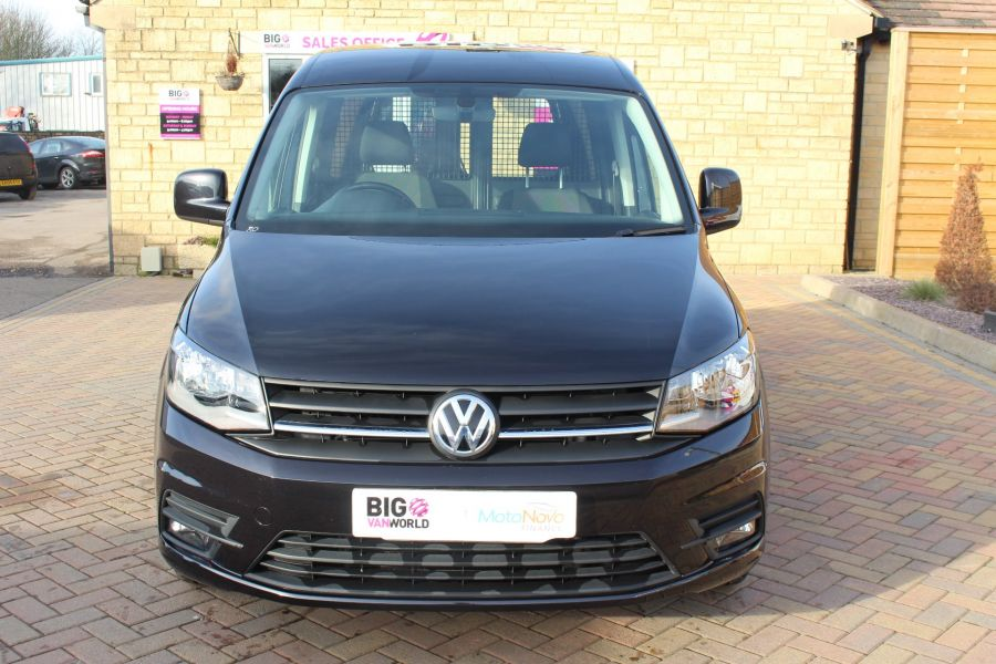 VOLKSWAGEN CADDY C20 TDI 150 HIGHLINE BLUEMOTION TECH DSG - 7222 - 9