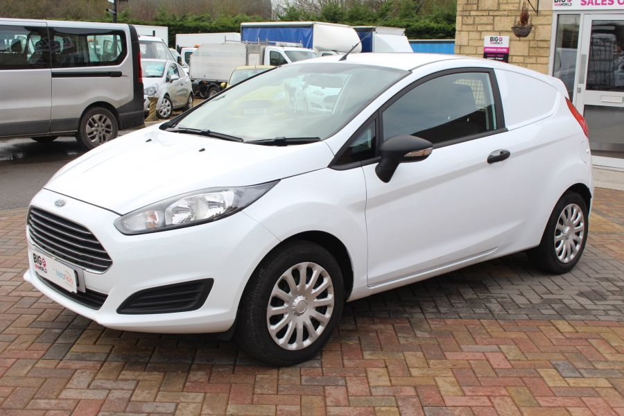 FORD FIESTA BASE 1.5 TDCI 74 - 7301 - 8