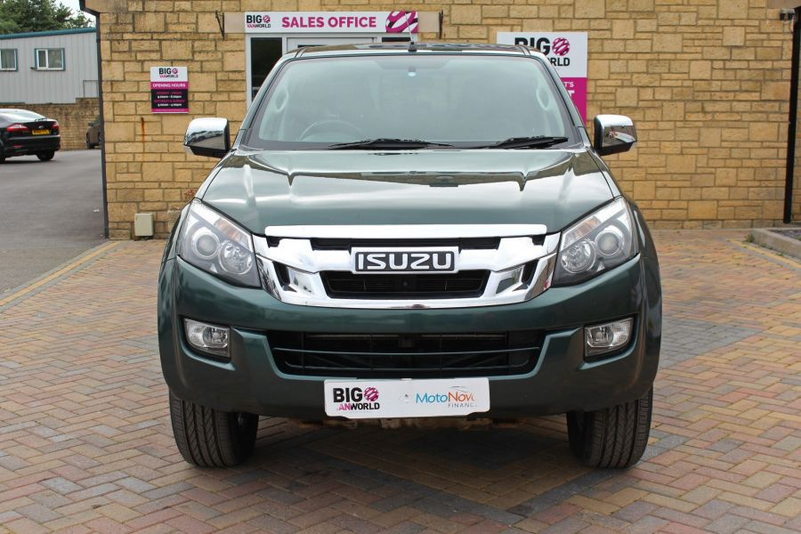 ISUZU D-MAX TD 163 YUKON VISION DOUBLE CAB WITH TRUCKMAN TOP - 9450 - 10
