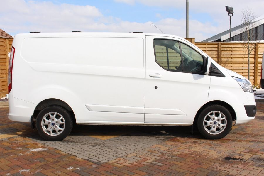 FORD TRANSIT CUSTOM 270 TDCI 125 L1 H1 LIMITED SWB LOW ROOF FWD - 7475 - 4