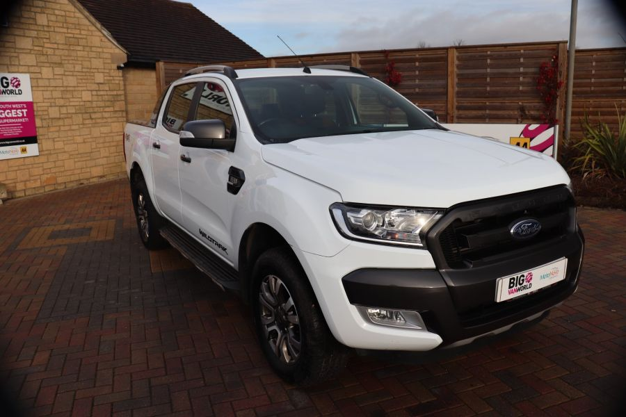 FORD RANGER WILDTRAK TDCI 200 4X4 DOUBLE CAB WITH ROLL'N'LOCK TOP - 8812 - 2