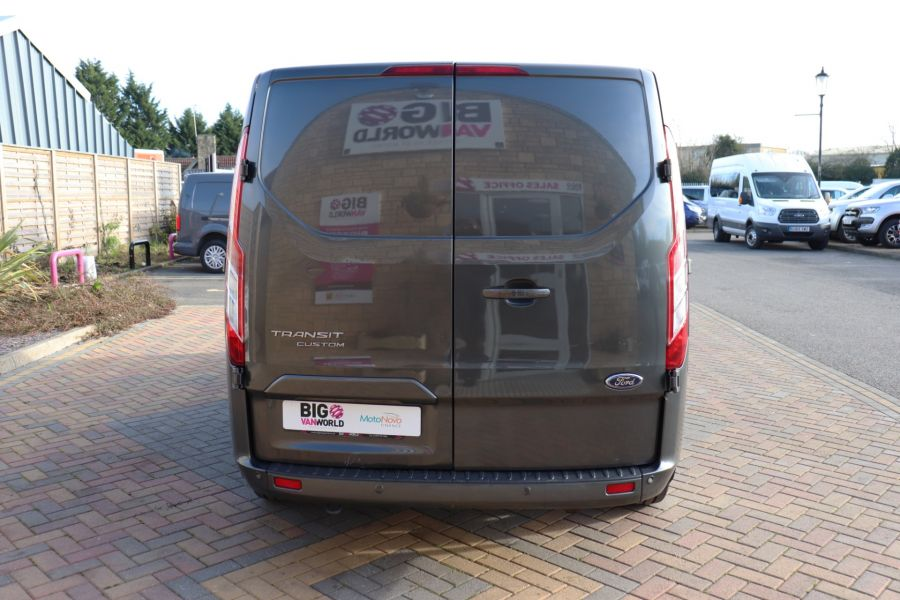FORD TRANSIT CUSTOM 290 TDCI 130 L1H1 LIMITED DOUBLE CAB 6 SEAT CREW VAN SWB LOW ROOF - 10123 - 6