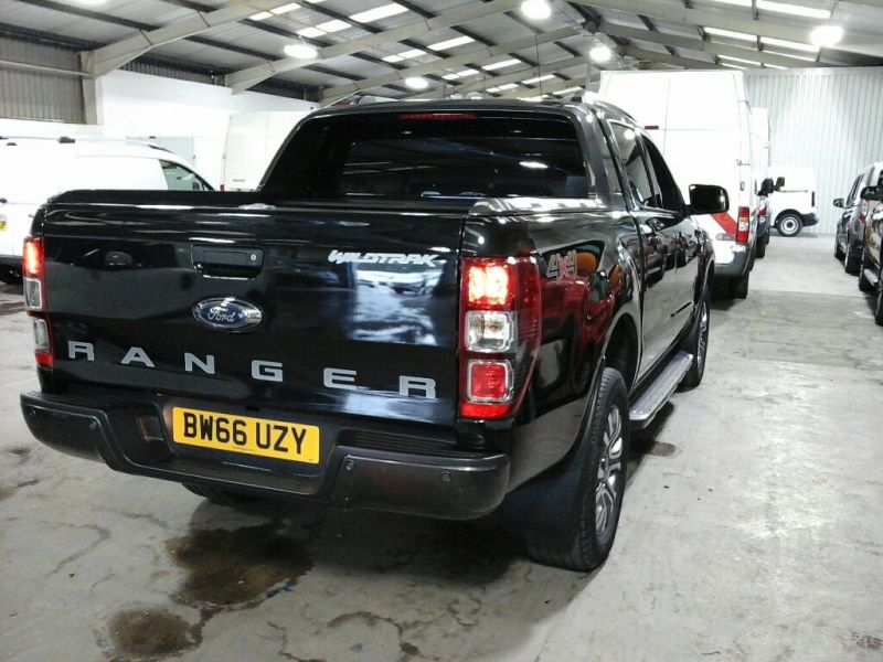 FORD RANGER WILDTRAK TDCI 200 4X4 DOUBLE CAB WITH ROLL'N'LOCK TOP - 10104 - 4