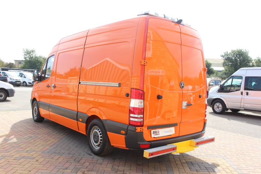 MERCEDES SPRINTER 313 CDI 129 MWB HIGH ROOF MOBILE TYRE FITTING - 8117 - 7