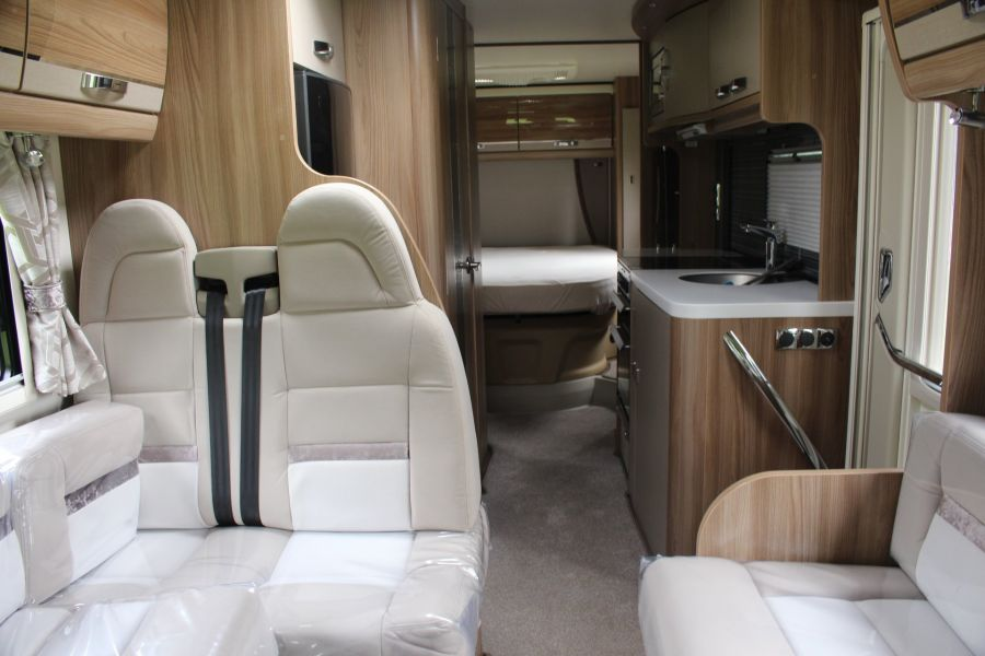 SWIFT KON-TIKI 669 HIGHLINE BLACK EDITION 6 BERTH, TAG AXLE, ISLAND BED - 8345 - 9