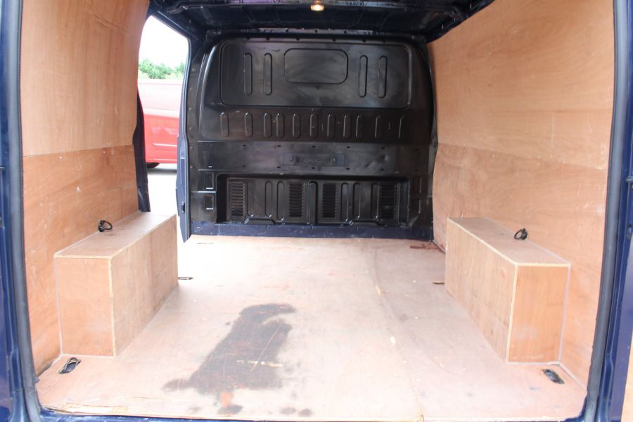 FORD TRANSIT 300 TDCI 125 SWB LOW ROOF FWD - 4530 - 20