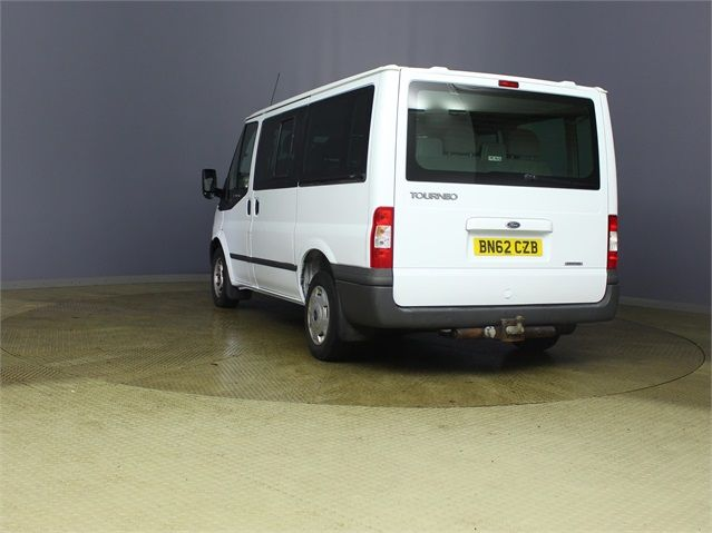 FORD TRANSIT 280 TDCI 125 TREND TOURNEO SWB LOW ROOF 9 SEAT MINIBUS FWD - 7621 - 4