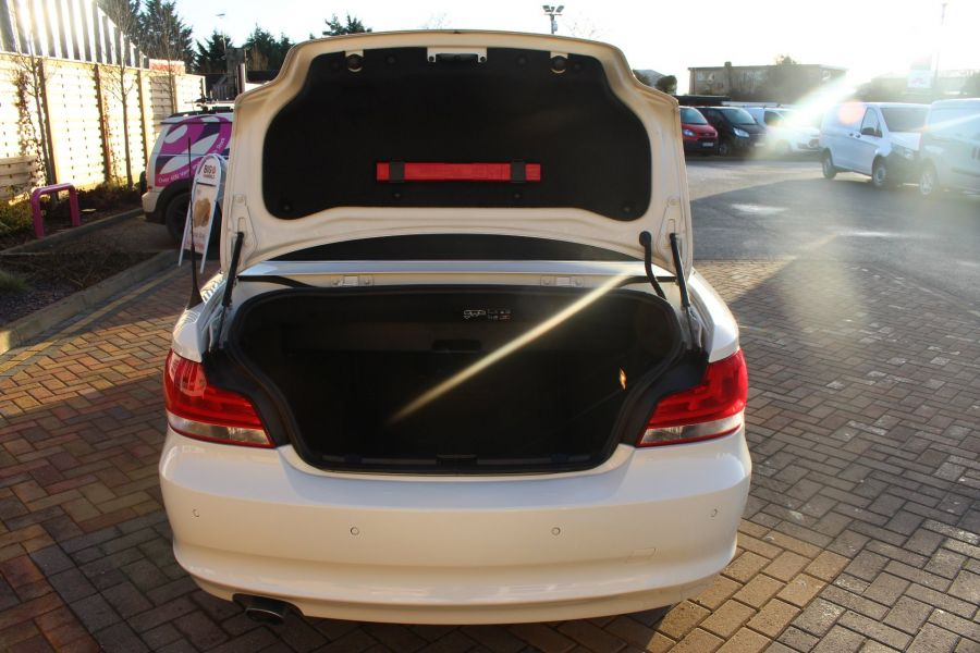 BMW 1 SERIES 120D EXCLUSIVE EDITION - 5886 - 29