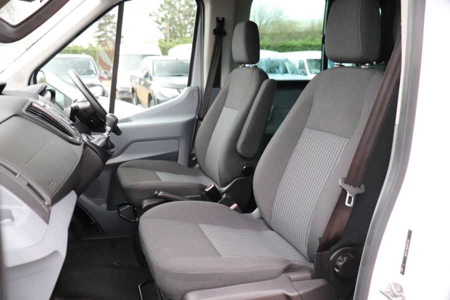 FORD TRANSIT 460 TDCI 155 L4H3 TREND 17 SEAT BUS HIGH ROOF DRW RWD - 11638 - 37