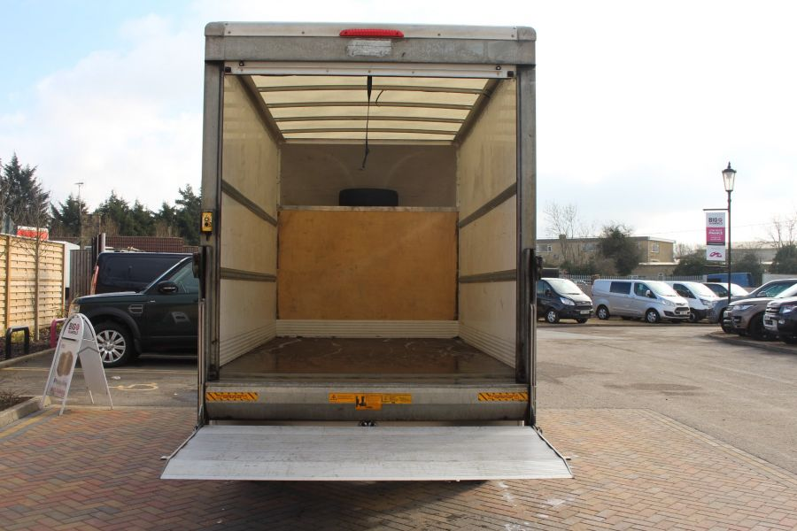 VOLKSWAGEN CRAFTER CR35 TDI 109LUTON WITH TAIL LIFT - 7362 - 19