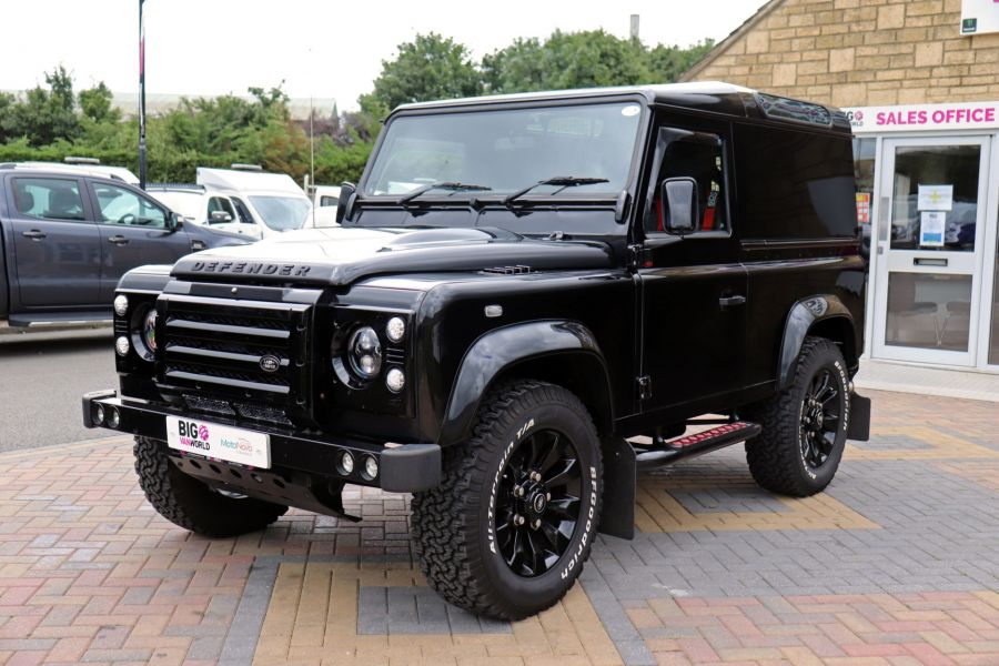LAND ROVER DEFENDER 90 TD 122 XS URBAN TRUCK HARD TOP - 11096 - 10