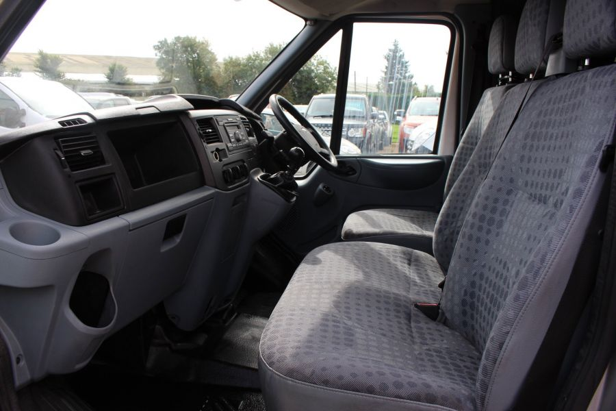 FORD TRANSIT 300 TDCI 100 SWB LOW ROOF FWD - 6733 - 16