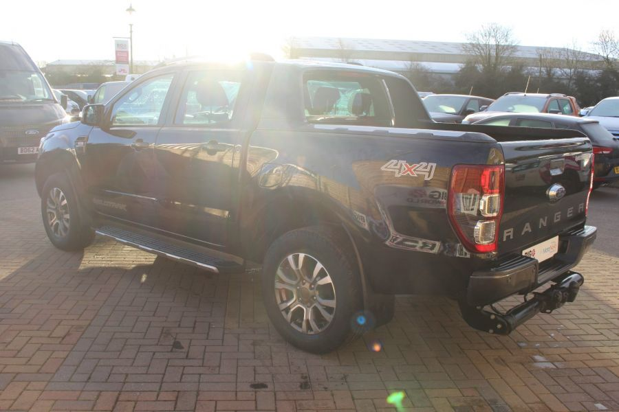 FORD RANGER WILDTRAK TDCI 200 4X4 DOUBLE CAB - 7023 - 7