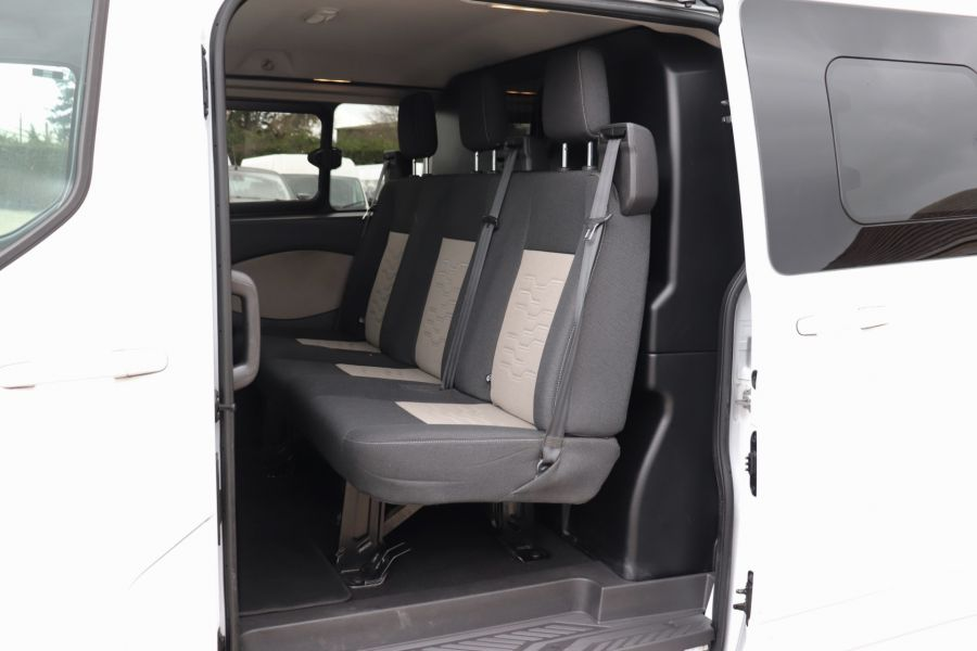 FORD TRANSIT CUSTOM 310 TDCI 130 L2H1 LIMITED DOUBLE CAB 6 SEAT CREW VAN LWB LOW ROOF FWD  (13819) - 12104 - 40