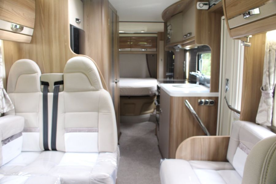 SWIFT KON-TIKI 669 HIGHLINE BLACK EDITION 6 BERTH, TAG AXLE, ISLAND BED - 8345 - 26