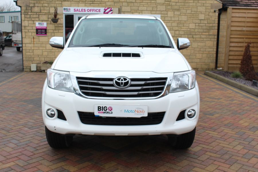 TOYOTA HI-LUX INVINCIBLE 4X4 D-4D 169 DOUBLE CAB WITH ROLL'N'LOCK TOP - 7307 - 9