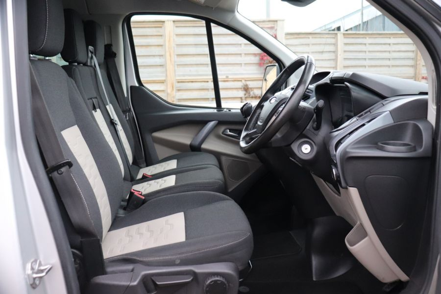 FORD TRANSIT CUSTOM 310 TDCI 130 L2H1 LIMITED DOUBLE CAB 6 SEAT CREW VAN  LWB LOW ROOF FWD  - 9968 - 13
