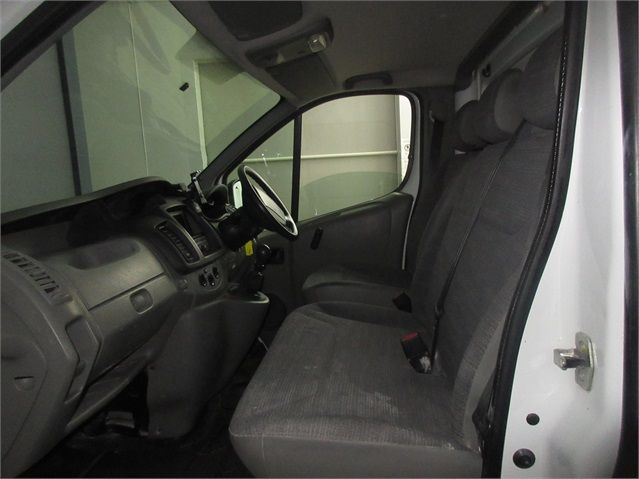 RENAULT TRAFIC LH29 DCI 115 LWB HIGH ROOF - 7439 - 13