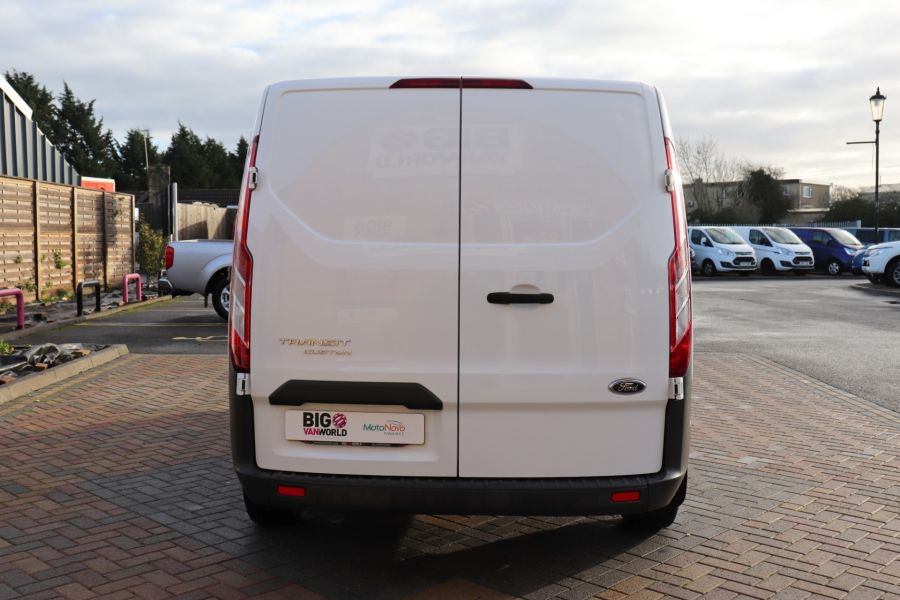 FORD TRANSIT CUSTOM 270 TDCI 105 L1H1 SWB LOW ROOF FRIDGE VAN WITH OVERNIGHT FWD - 11587 - 9