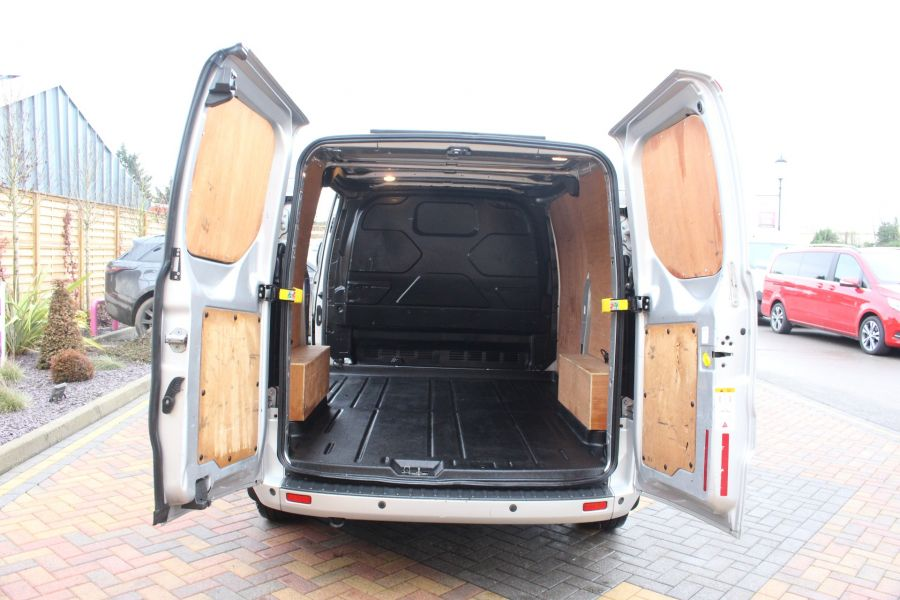FORD TRANSIT CUSTOM 270 TDCI 125 L1 H1 LIMITED SWB LOW ROOF FWD - 7142 - 13