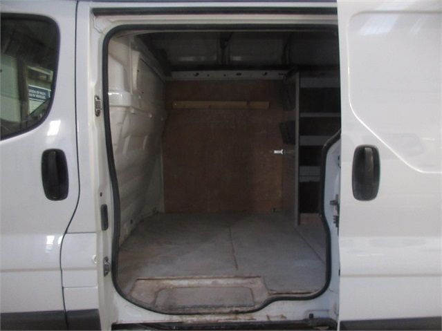 RENAULT TRAFIC LH29 DCI 115 LWB HIGH ROOF - 7435 - 14