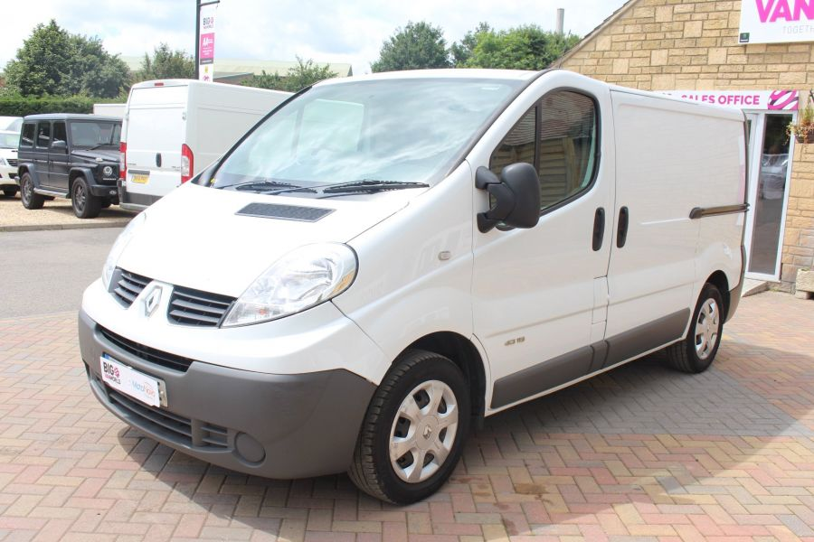 RENAULT TRAFIC SL27 DCI 115 SWB LOW ROOF - 6284 - 9