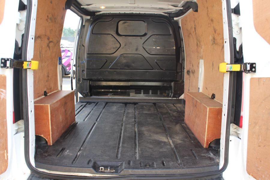 FORD TRANSIT CUSTOM 290 TDCI 125 L1 H1 LIMITED SWB LOW ROOF FWD - 6858 - 23