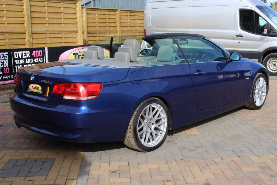 BMW 3 SERIES 330D SE AUTO CONVERTIBLE - 6042 - 12