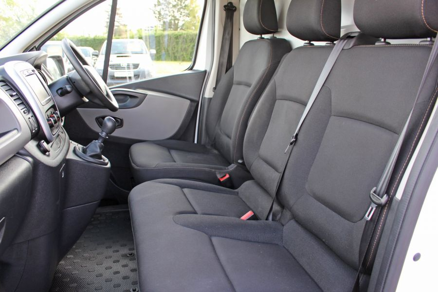 RENAULT TRAFIC SL27 DCI 120 BUSINESS ENERGY SWB LOW ROOF - 8861 - 19