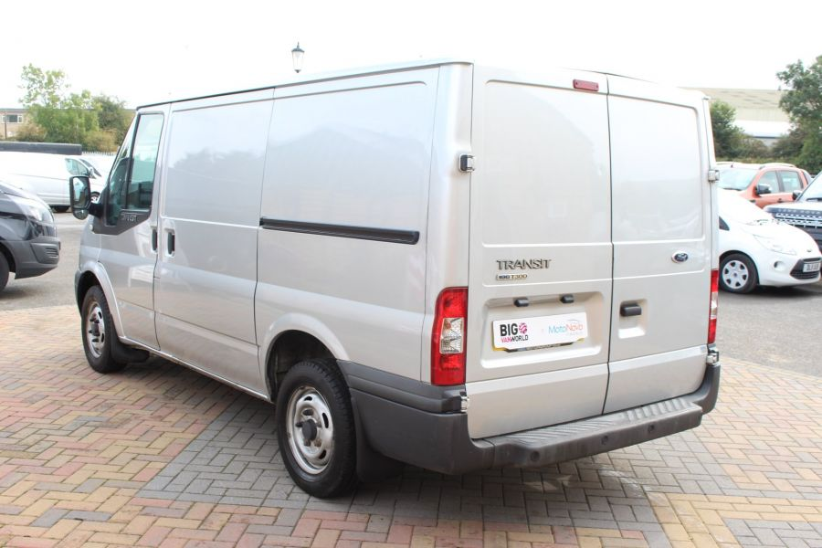 FORD TRANSIT 300 TDCI 100 SWB LOW ROOF FWD - 6733 - 7