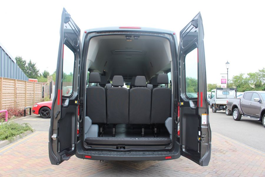 FORD TRANSIT 460 TDCI 155 L4 H3 17 SEAT BUS HIGH ROOF DRW RWD - 8132 - 23
