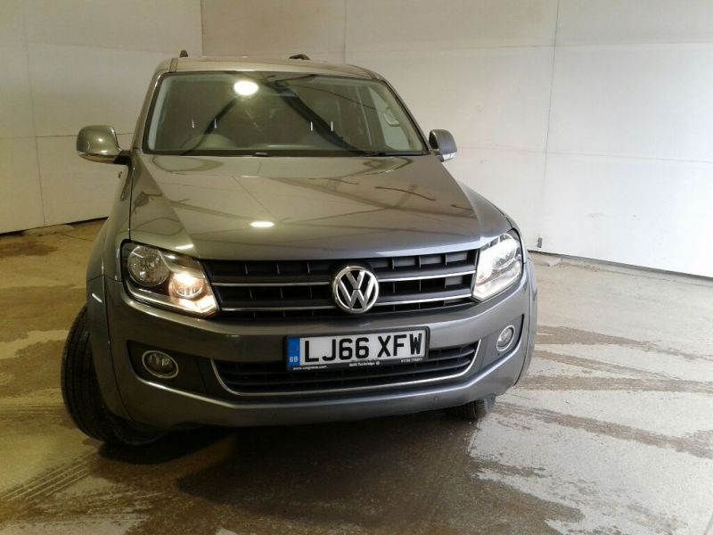 VOLKSWAGEN AMAROK DC BITDI 180 HIGHLINE 4MOTION BMT DOUBLE CAB WITH TRUCKMAN TOP - 9819 - 2